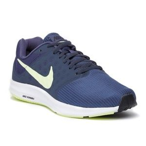 New with box Nike Downshifter 7 Running Sneaker